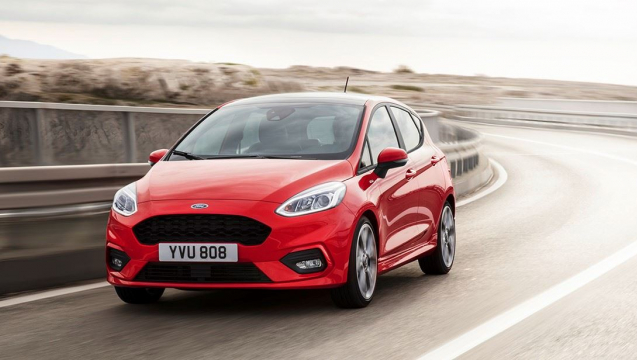 FORD_FIESTA2016_ST-LINE_34_FRONT_DRIVING_13.jpeg